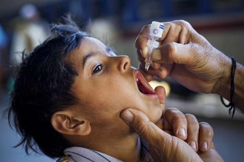 vaksin polio